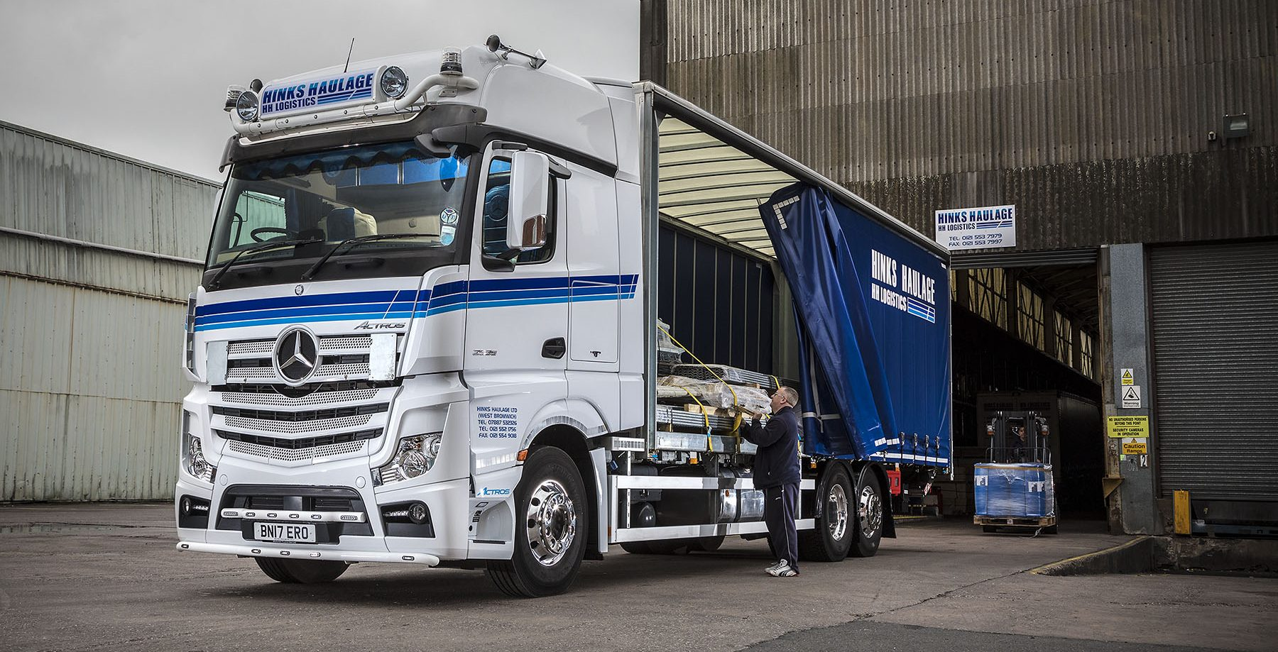 Actros 2535 - Hinks Haulage (1)