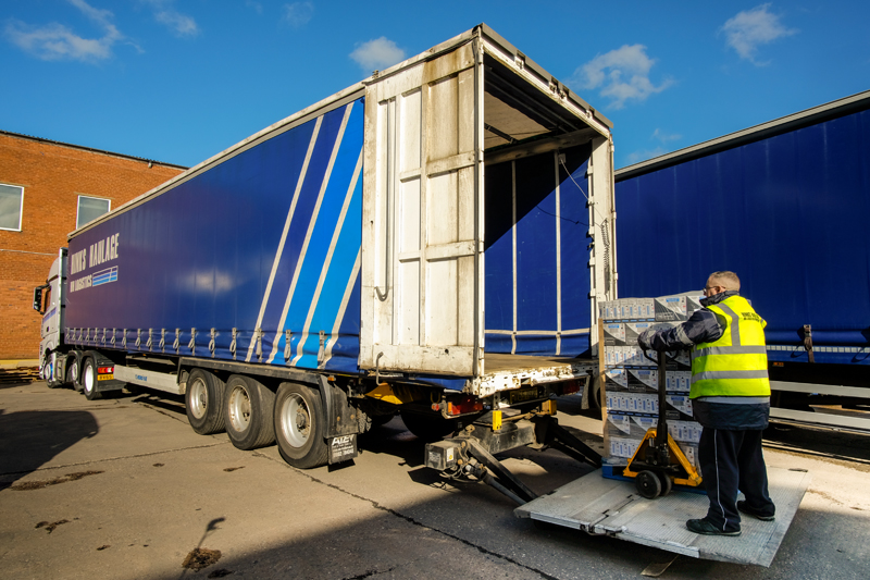 Tail_Lift_Trailers_Gallery_P2021015